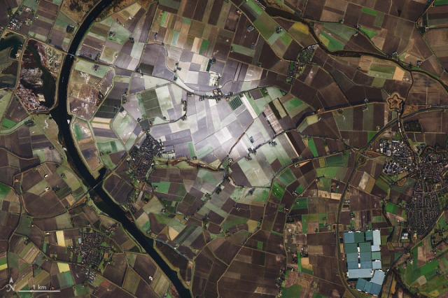 meteogroup netherlands, wim van der berg, citra satelit salju di beberapa spot area, wegener bergeron, kondensasi, citra satelit, gambar satelit, gambar permukaan bumi, gambaran permukaan bumi, gambar objek dari atas, jual citra satelit, jual gambar satelit, jual citra quickbird, jual citra satelit quickbird, jual quickbird, jual worldview-1, jual citra worldview-1, jual citra satelit worldview-1, jual worldview-2, jual citra worldview-2, jual citra satelit worldview-2, jual geoeye-1, jual citra satelit geoeye-1, jual citra geoeye-1, jual ikonos, jual citra ikonos, jual citra satelit ikonos, jual alos, jual citra alos, jual citra satelit alos, jual alos prism, jual citra alos prism, jual citra satelit alos prism, jual alos avnir-2, jual citra alos avnir-2, jual citra satelit alos avnir-2, jual pleiades, jual citra satelit pleiades, jual citra pleiades, jual spot 6, jual citra spot 6, jual citra satelit spot 6, jual citra spot, jual spot, jual citra satelit spot, jual citra satelit astrium, order citra satelit, order data citra satelit, jual software pemetaan, jual aplikasi pemetaan, jual landsat, jual citra landsat, jual citra satelit landsat, order data landsat, order citra landsat, order citra satelit landsat, mapping data citra satelit, mapping citra, pemetaan, mengolah data citra satelit, olahan data citra satelit, jual citra satelit murah, beli citra satelit, jual citra satelit resolusi tinggi, peta citra satelit, jual citra worldview-3, jual citra satelit worldview-3, jual worldview-3, order citra satelit worldview-3, order worldview-3, order citra worldview-3, dem, jual dem, dem srtm, dem srtm 90 meter, dem srtm 30 meter, jual dem srtm 90 meter, jual dem srtm 30 meter, jual ifsar, jual dem ifsar, jual dsm ifsar, jual dtm ifsar, jual worlddem, jual alos world 3d, jual dem alos world 3d, alos world 3d, pengolahan alos world 3d, jasa pengolahan alos world 3d, jual spot 7, jual citra spot 7, jual citra satelit spot 7, jual citra satelit sentinel, jual citra satel