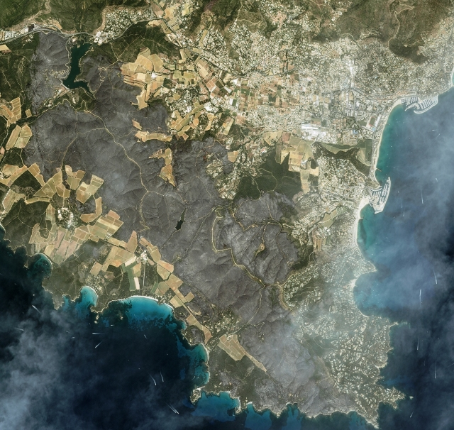 citra satelit kebakaran hutan di prancis, citra satelit kebakaran di les mimoas, citra satelit kebakaran hutan di riveira, resor saint tropez, laut mediterania, citra satelit, gambar satelit, gambar permukaan bumi, gambaran permukaan bumi, gambar objek dari atas, jual citra satelit, jual gambar satelit, jual citra quickbird, jual citra satelit quickbird, jual quickbird, jual worldview-1, jual citra worldview-1, jual citra satelit worldview-1, jual worldview-2, jual citra worldview-2, jual citra satelit worldview-2, jual geoeye-1, jual citra satelit geoeye-1, jual citra geoeye-1, jual ikonos, jual citra ikonos, jual citra satelit ikonos, jual alos, jual citra alos, jual citra satelit alos, jual alos prism, jual citra alos prism, jual citra satelit alos prism, jual alos avnir-2, jual citra alos avnir-2, jual citra satelit alos avnir-2, jual pleiades, jual citra satelit pleiades, jual citra pleiades, jual spot 6, jual citra spot 6, jual citra satelit spot 6, jual citra spot, jual spot, jual citra satelit spot, jual citra satelit astrium, order citra satelit, order data citra satelit, jual software pemetaan, jual aplikasi pemetaan, jual landsat, jual citra landsat, jual citra satelit landsat, order data landsat, order citra landsat, order citra satelit landsat, mapping data citra satelit, mapping citra, pemetaan, mengolah data citra satelit, olahan data citra satelit, jual citra satelit murah, beli citra satelit, jual citra satelit resolusi tinggi, peta citra satelit, jual citra worldview-3, jual citra satelit worldview-3, jual worldview-3, order citra satelit worldview-3, order worldview-3, order citra worldview-3, dem, jual dem, dem srtm, dem srtm 90 meter, dem srtm 30 meter, jual dem srtm 90 meter, jual dem srtm 30 meter, jual ifsar, jual dem ifsar, jual dsm ifsar, jual dtm ifsar, jual worlddem, jual alos world 3d, jual dem alos world 3d, alos world 3d, pengolahan alos world 3d, jasa pengolahan alos world 3d, jual spot 7, jual citra spot 7, jual citra satelit spot 7,