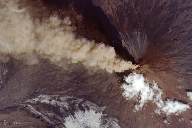 citra satelit gunung api Klyuchevskoy, semenanjung kamchatka, citra satelit lontaran abu dari gunung api, pacific ring of fire, gunung tertinggi di eurasia, citra satelit, gambar satelit, gambar permukaan bumi, gambaran permukaan bumi, gambar objek dari atas, jual citra satelit, jual gambar satelit, jual citra quickbird, jual citra satelit quickbird, jual quickbird, jual worldview-1, jual citra worldview-1, jual citra satelit worldview-1, jual worldview-2, jual citra worldview-2, jual citra satelit worldview-2, jual geoeye-1, jual citra satelit geoeye-1, jual citra geoeye-1, jual ikonos, jual citra ikonos, jual citra satelit ikonos, jual alos, jual citra alos, jual citra satelit alos, jual alos prism, jual citra alos prism, jual citra satelit alos prism, jual alos avnir-2, jual citra alos avnir-2, jual citra satelit alos avnir-2, jual pleiades, jual citra satelit pleiades, jual citra pleiades, jual spot 6, jual citra spot 6, jual citra satelit spot 6, jual citra spot, jual spot, jual citra satelit spot, jual citra satelit astrium, order citra satelit, order data citra satelit, jual software pemetaan, jual aplikasi pemetaan, jual landsat, jual citra landsat, jual citra satelit landsat, order data landsat, order citra landsat, order citra satelit landsat, mapping data citra satelit, mapping citra, pemetaan, mengolah data citra satelit, olahan data citra satelit, jual citra satelit murah, beli citra satelit, jual citra satelit resolusi tinggi, peta citra satelit, jual citra worldview-3, jual citra satelit worldview-3, jual worldview-3, order citra satelit worldview-3, order worldview-3, order citra worldview-3, dem, jual dem, dem srtm, dem srtm 90 meter, dem srtm 30 meter, jual dem srtm 90 meter, jual dem srtm 30 meter, jual ifsar, jual dem ifsar, jual dsm ifsar, jual dtm ifsar, jual worlddem, jual alos world 3d, jual dem alos world 3d, alos world 3d, pengolahan alos world 3d, jasa pengolahan alos world 3d, jual spot 7, jual citra spot 7, jual citra satelit spot 7, jua